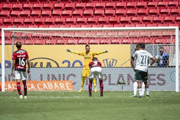 Diego Alves brilha nos pênaltis e Flamengo conquista o bicampeonato da Supercopa do Brasil