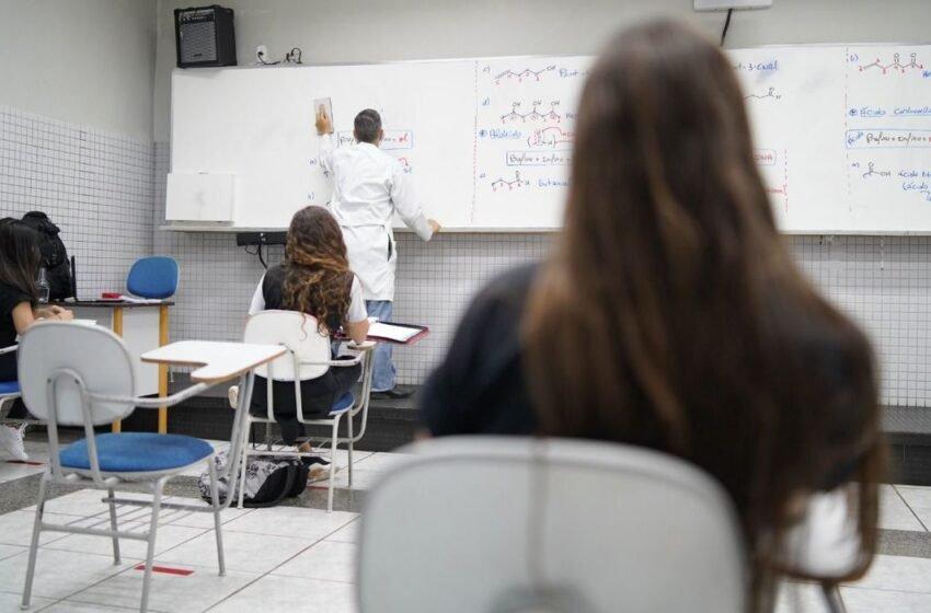 Governo de Pernambuco autoriza retomada gradual das aulas presenciais