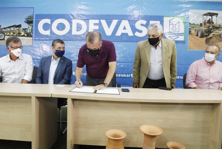 Canal de Xingó: Ministro esteve hoje em Sergipe para assinar ordem de serviço