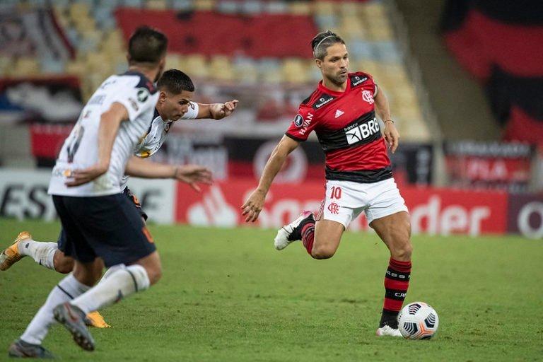 Flamengo empata com a LDU no Maracanã, mas garante vaga nas oitavas de final da Libertadores