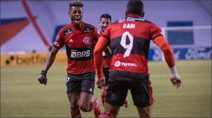 Flamengo vence a LDU por 3 a 2 e encaminha classificação na Libertadores