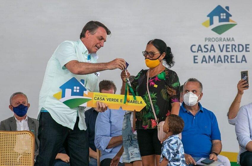 """Bolsonaro chama Lula de """"ladrão de nove dedos"""" após pesquisas…"""