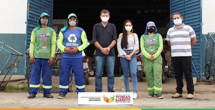 Tobias Barreto conta com a equipe da Cooperativa de Catadores de Material Reciclável (COOCMRTB).
