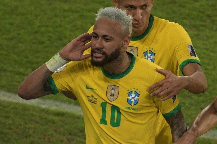 Seleção brasileira joga bem e goleia Peru por 4 a 0