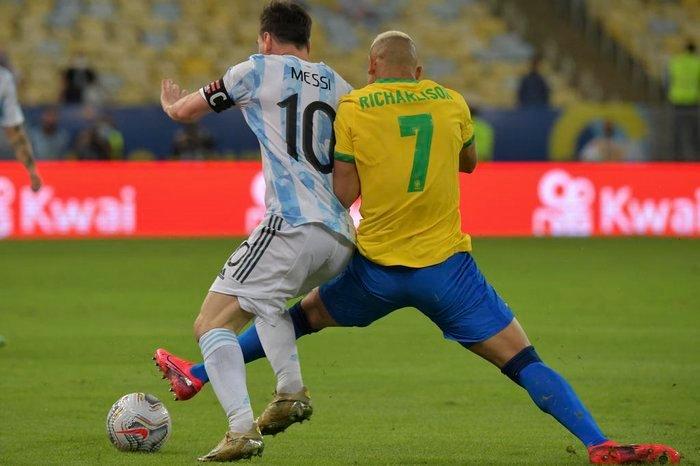 Brasil é derrotado pela Argentina em pleno Maracanã