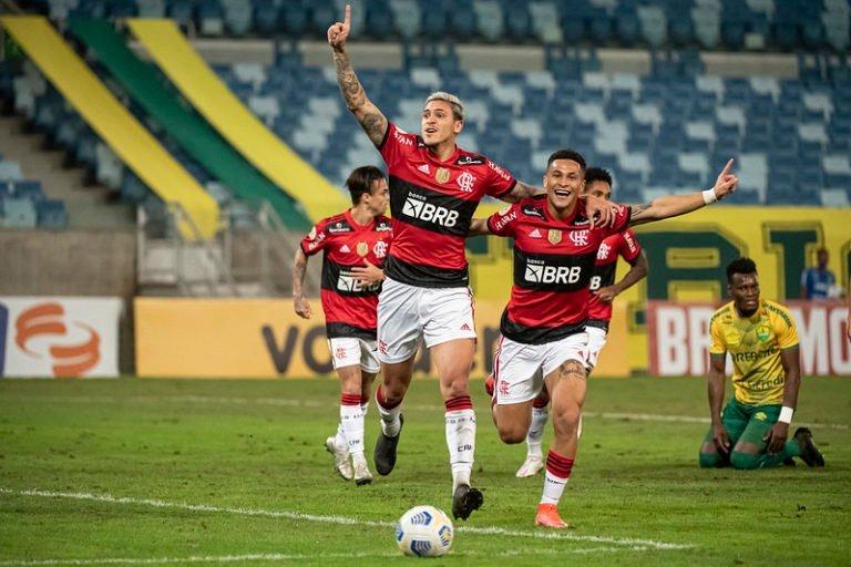 Flamengo derrota o Cuiabá e volta a vencer no Campeonato Brasileiro