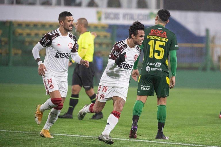 Flamengo sofre na Argentina, mas vence o Defensa y Justicia e larga com vantagem nas oitavas de final da Libertadores